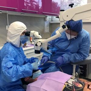 Pytania i odpowiedzi: mikroskop stomatologiczny